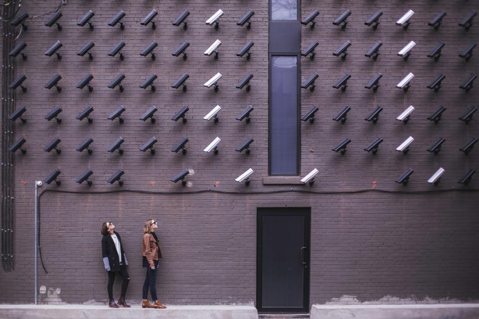 Bezpieczeństwo i monitoring